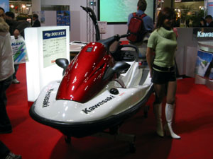 050211_boat_show_01
